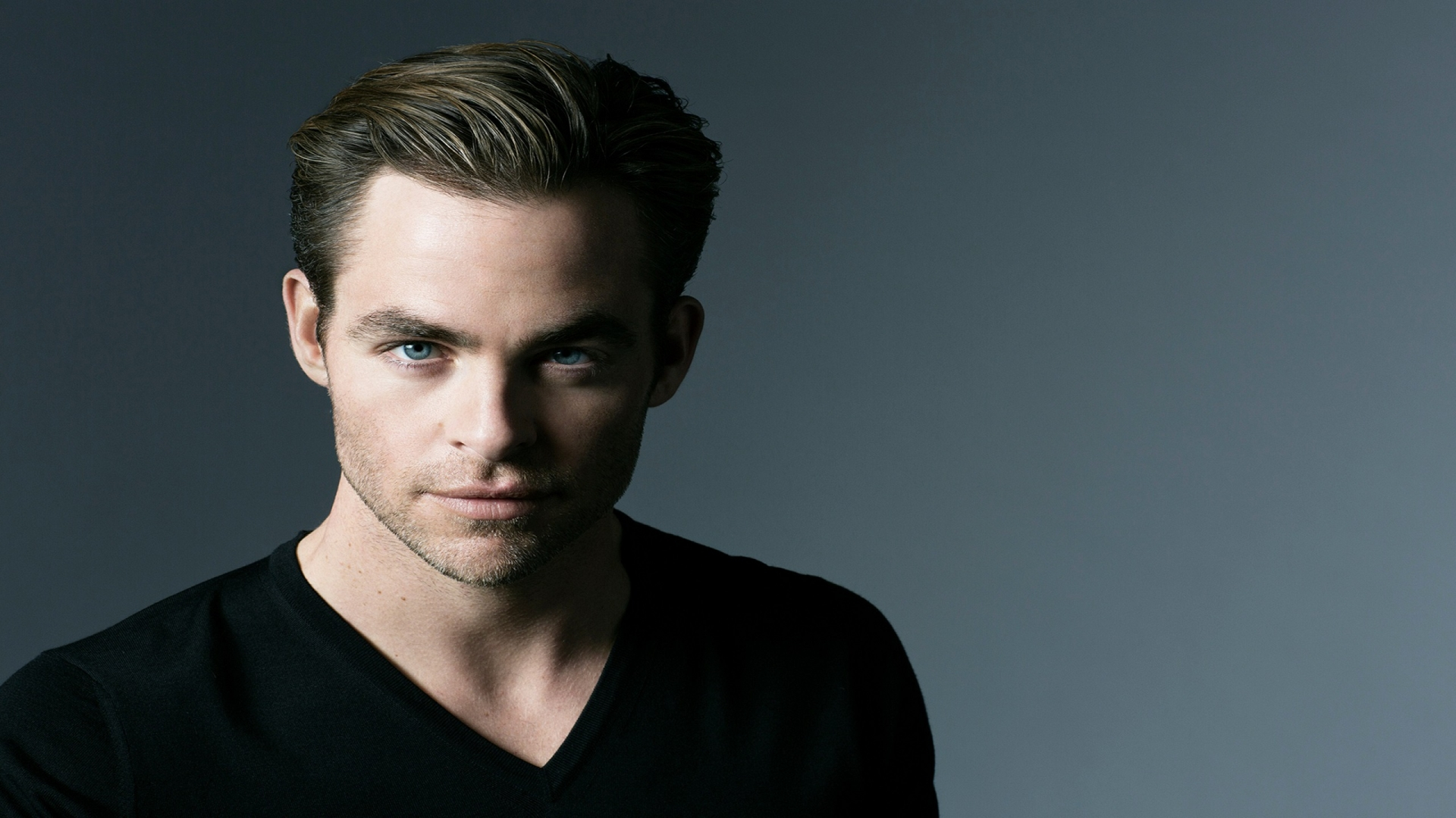 Chris Pine Smart Look for 1920 x 1080 HDTV 1080p resolution